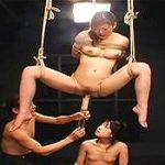 宙吊り拘束女に浣腸して逆噴射ぶっかけ食糞させるスカトロSM映像